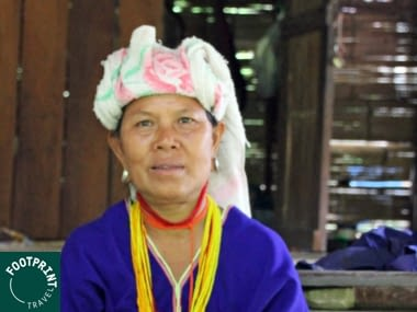 Thailand reizen - Thailand - Thaise vrouw in traditionele outfit bij Chiang Mai