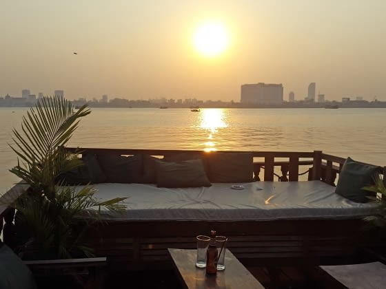 Sunset cruise over de Mekong rivier (5 gangen diner)