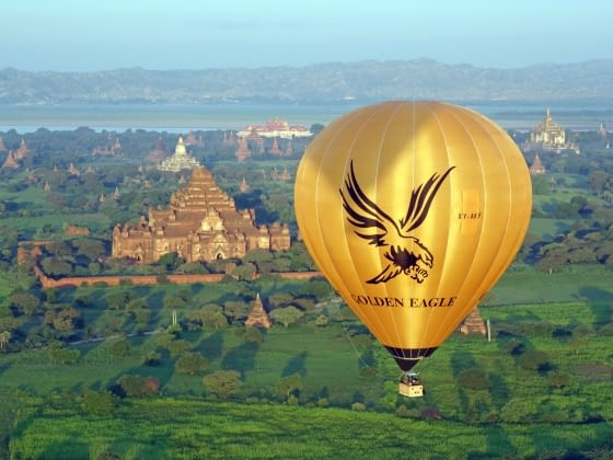 Ballonvaren over Bagan