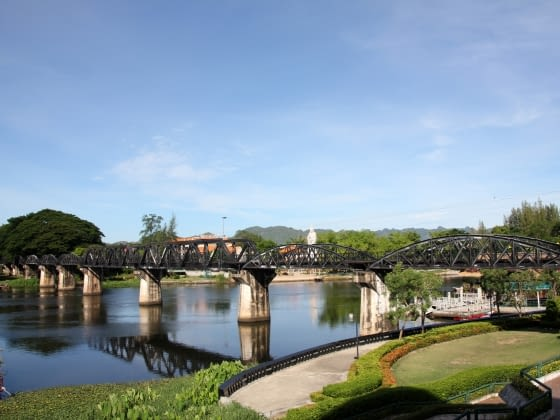 Erawan watervallen & Oorlogsmuseum, Ereveld, Bridge over River Kwai